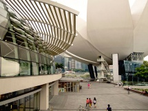 Modern Singapore wth Art & Science Museum